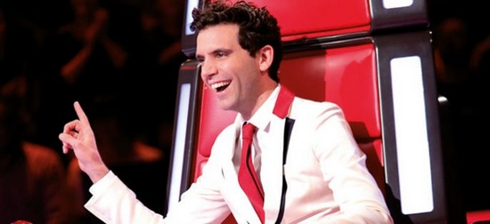 mika-coulisses-tv